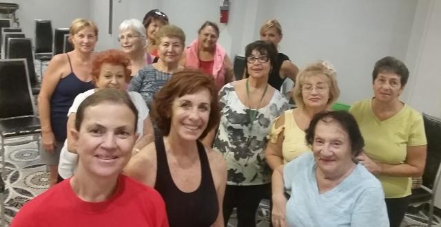 2016-11-08-yoga-class