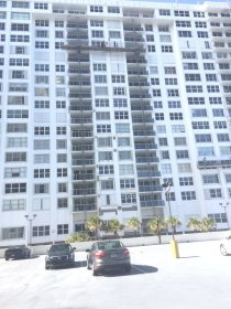 Aquarius South Tower South Side Face. Glass Railings installed a few finishes remain(1)